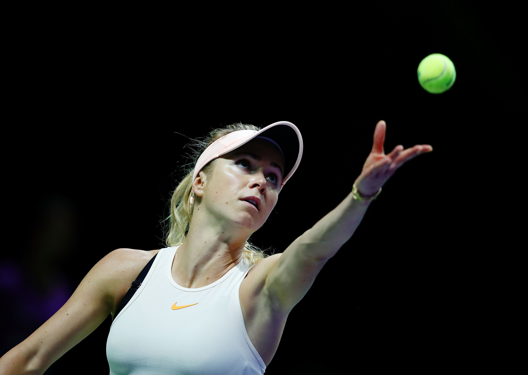 Plíšková and Svitolina win opening games of WTA Finals