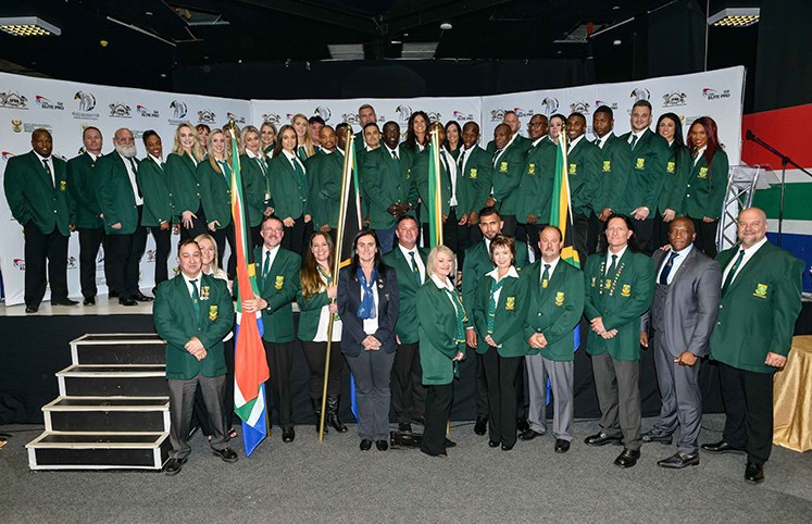 Athletes and officials heading to the IFBB World Championships to represent South Africa were presented with their national colours ©IFBB