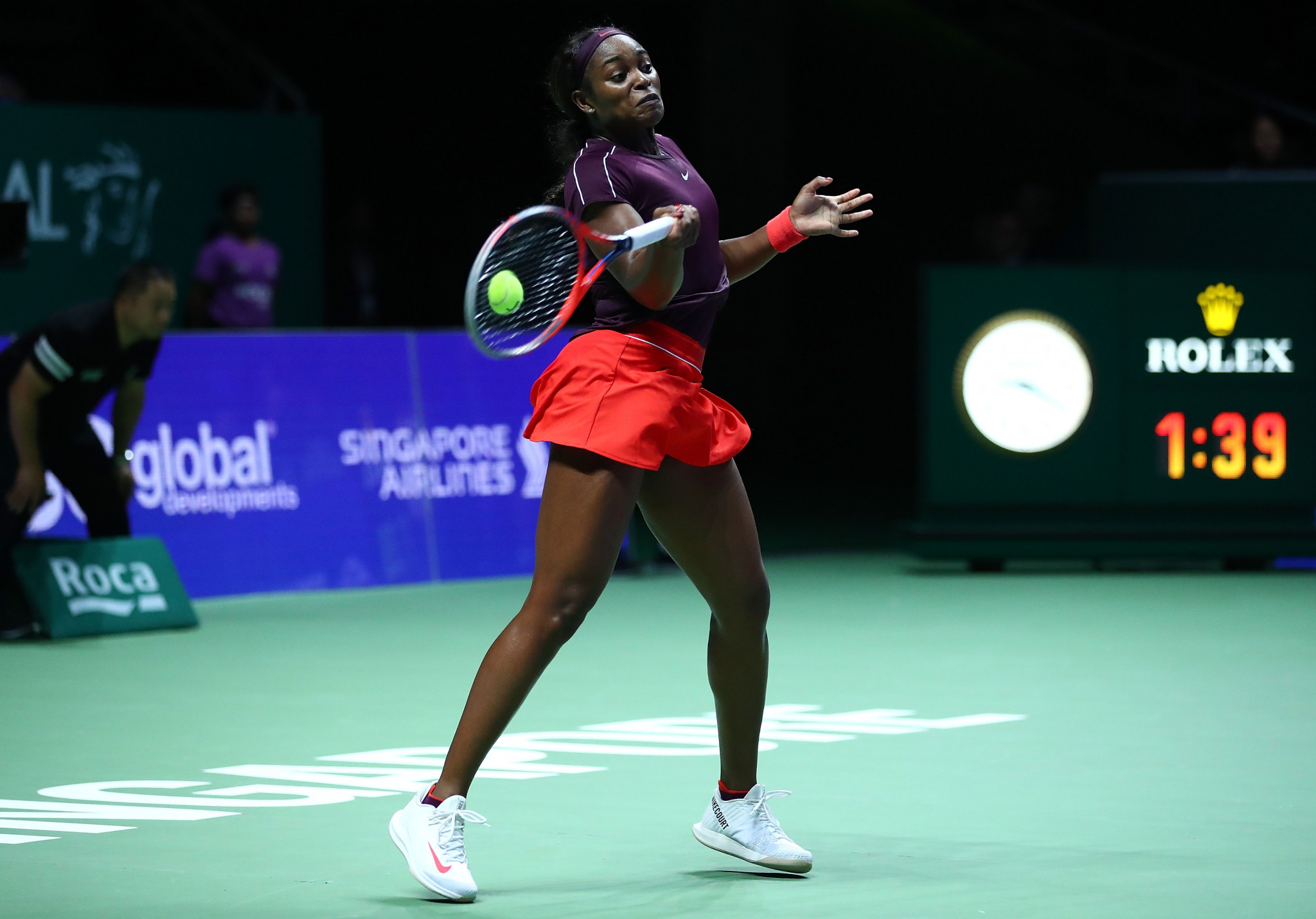 Stephens fights back to set up Svitolina clash at WTA Finals