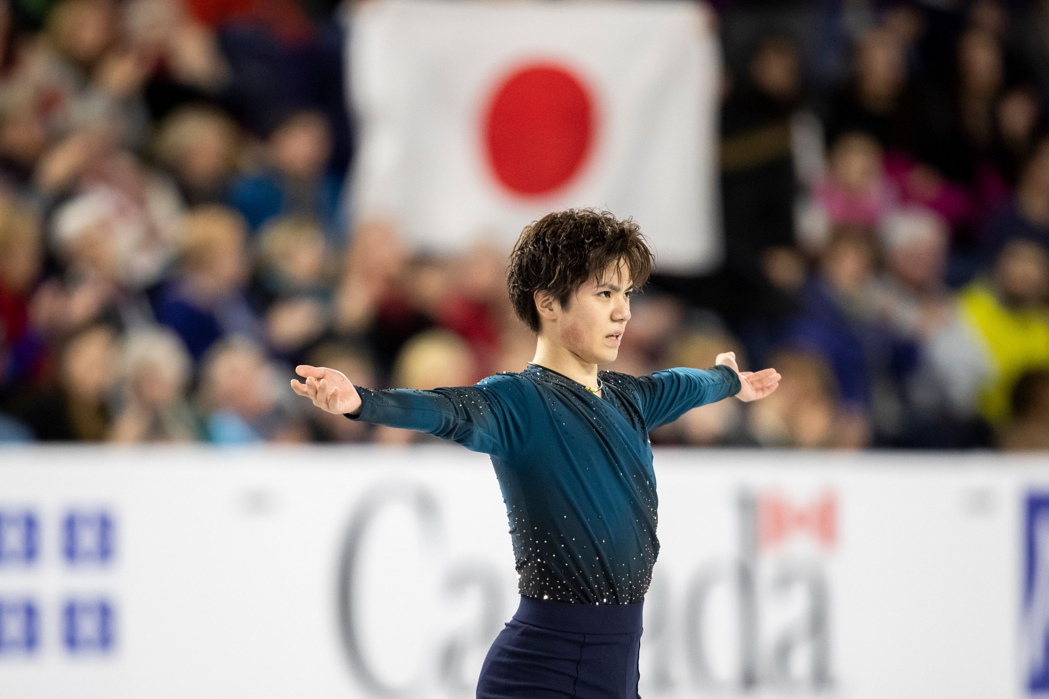 Uno recovers in free skating to deny home favourite men's gold medal at Skate Canada