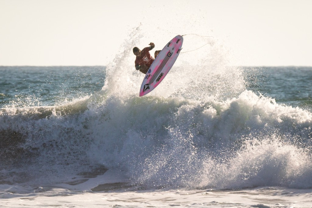 Japan's Ito shines on opening day of World Junior Surfing Championships