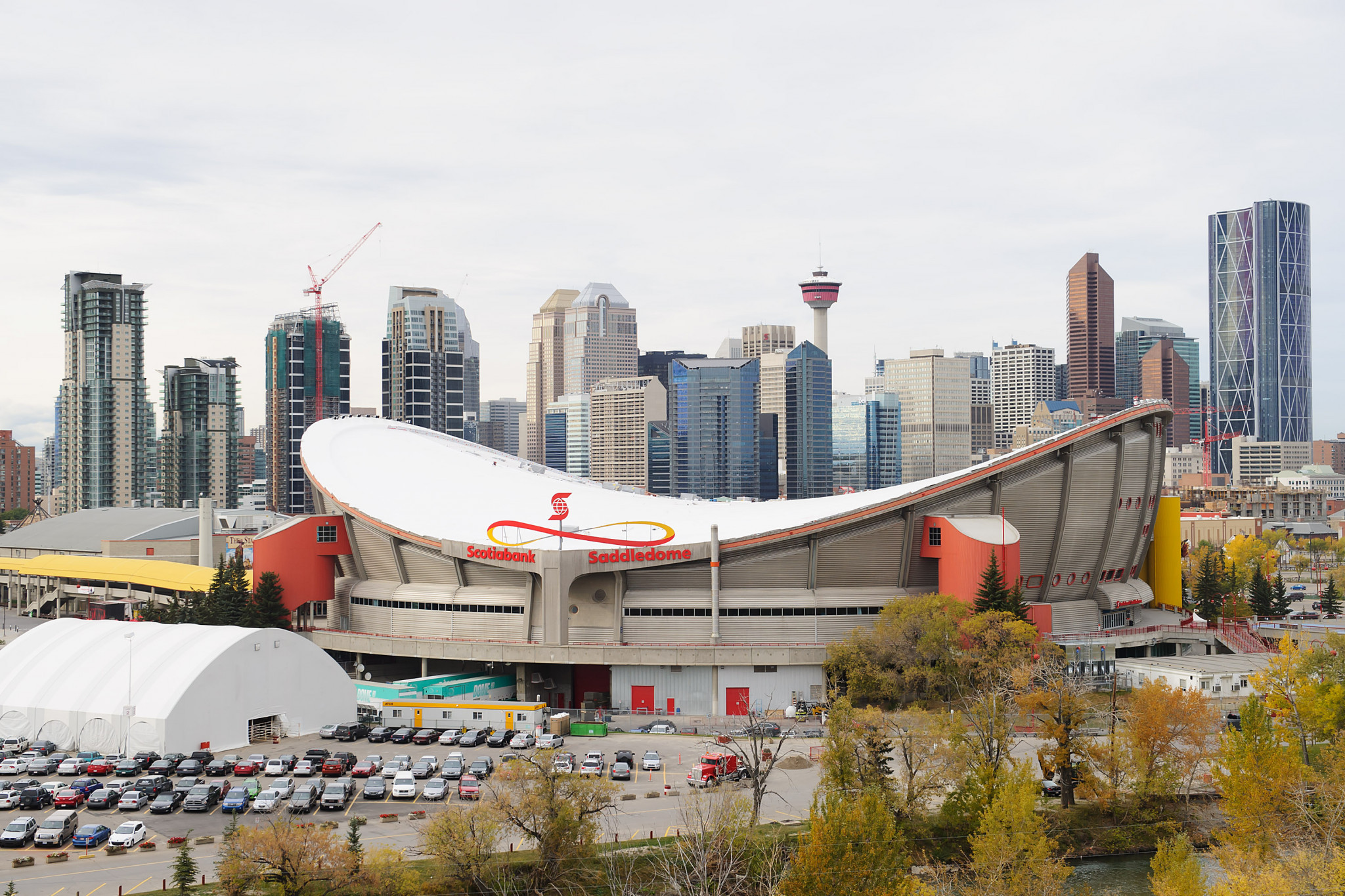 Calgary 2026 has announced the signing of an agreement between the Federal and Provincial Governments to consider a funding proposal that would provide their share of the public dollars needed to stage the Winter Olympics and Paralympics ©Getty Images