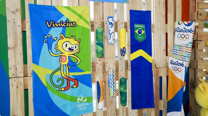Rio 2016 exhibit official merchandise at event in São Paulo