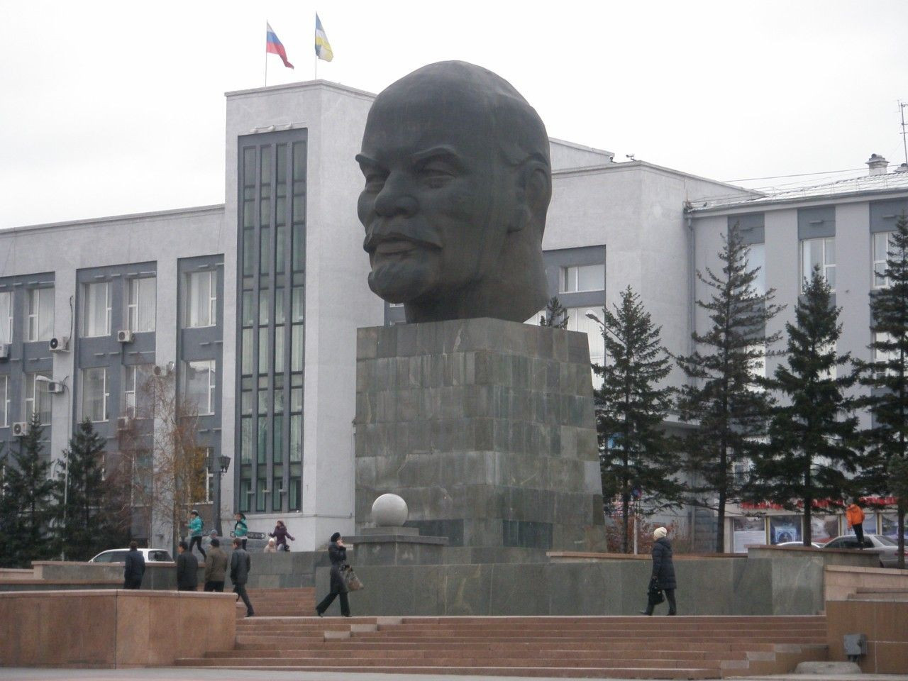 Ulan-Ude is famous for a giant statue of Vladimir Lenin ©Wikipedia