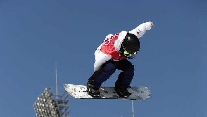 Japan dominate big air event at FIS Snowboard World Cup in Italy