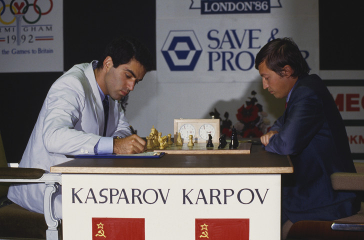 Garry Kasparov, left, and Anatoly Karpov pictured during their world title match at the Park Lane Hotel in London in 1986 ©Getty Images