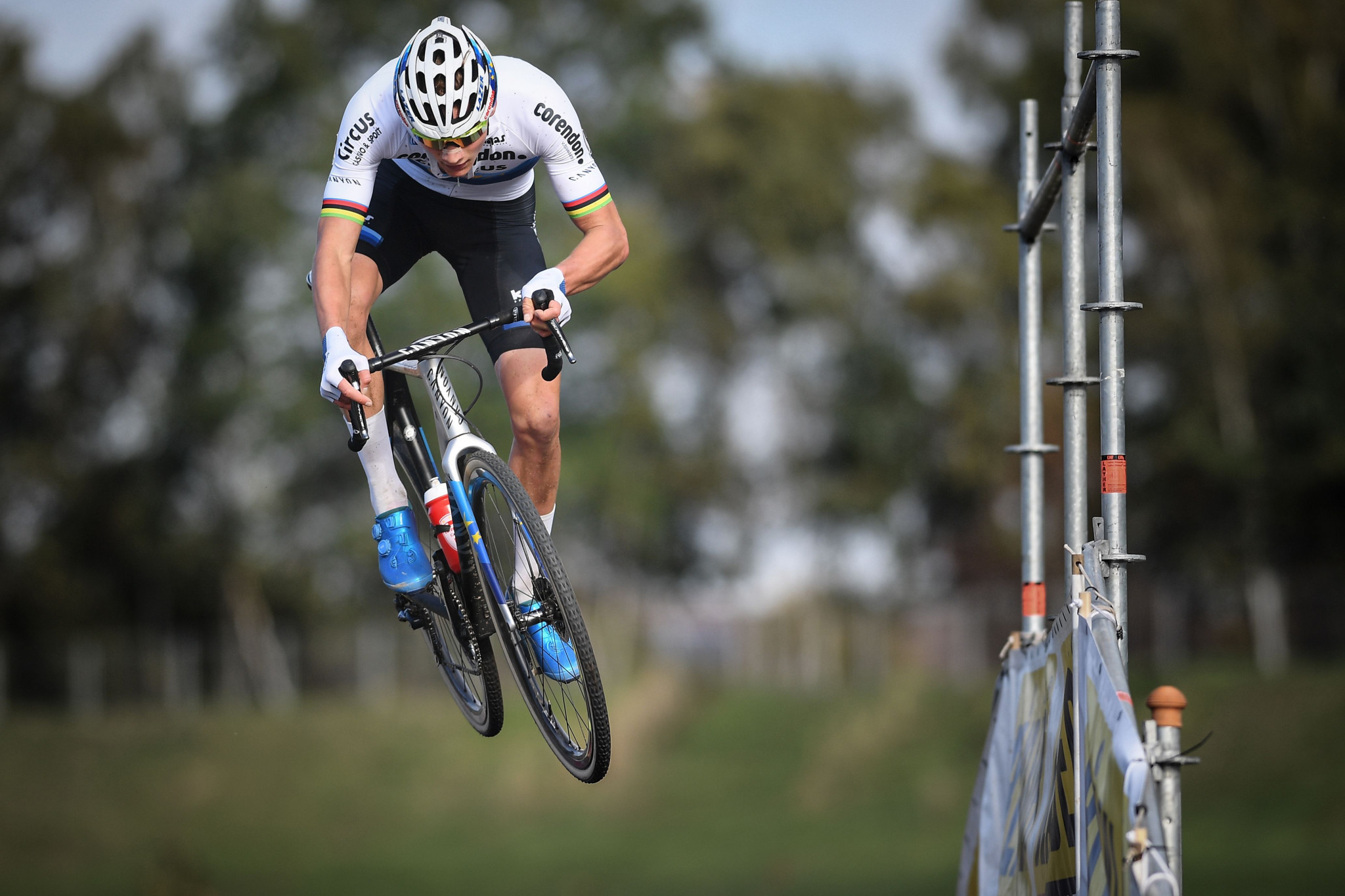 Van der Poel and Worst lead medal blitz for Dutch hosts at Cyclo-Cross European Championships