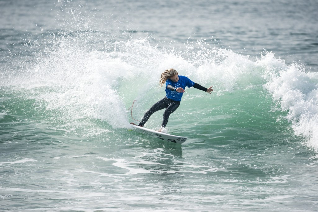Thirteen-year-old Caitlin Simmers of the United States won the girls' under-16 gold at the ISA World Junior Surfing Championships, posting the highest wave score of the day ©ISA
