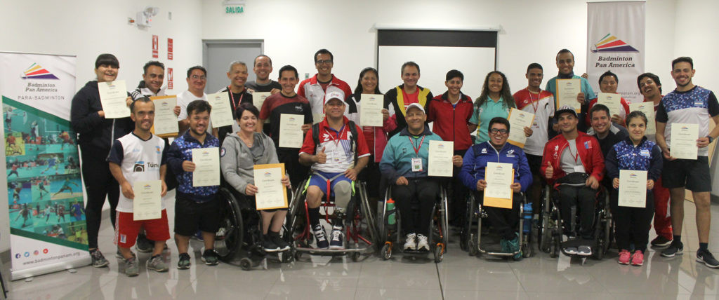 The workshop's participants received a certificate at the end of the event for taking part ©Badminton Pan America