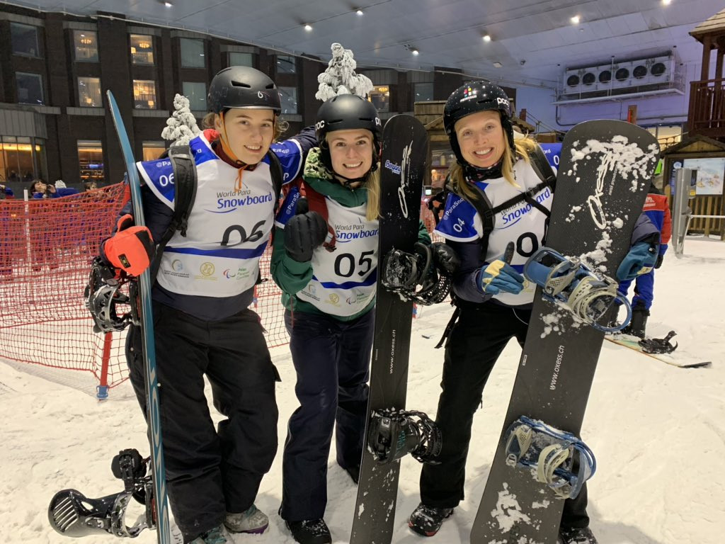 Paralympic silver medallist Lisa Bunschoten led a Dutch clean sweep of the women's banked slalom SB-LL2 event at the World Para Snowboard World Cup in Dubai ©Twitter