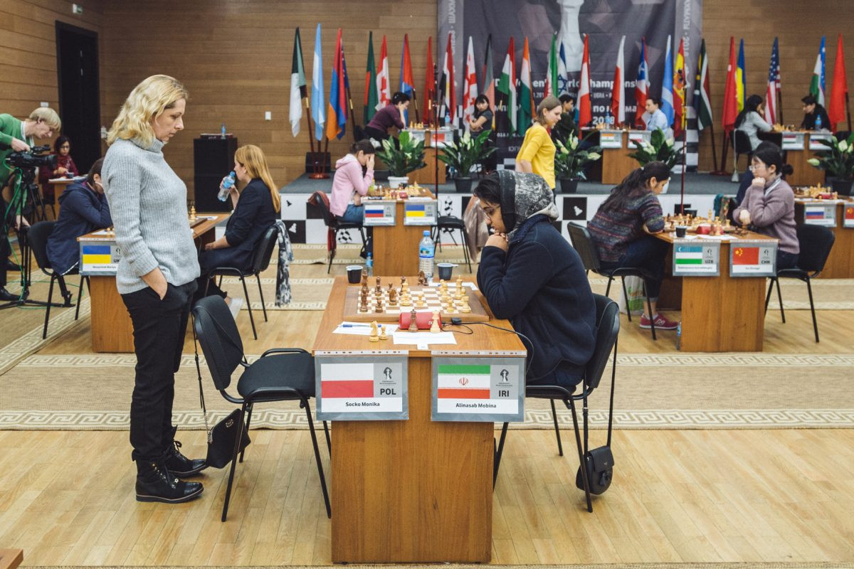 The 2018 Women's World Chess Championships continued in Russia today with the first players making it into round three ©FIDE