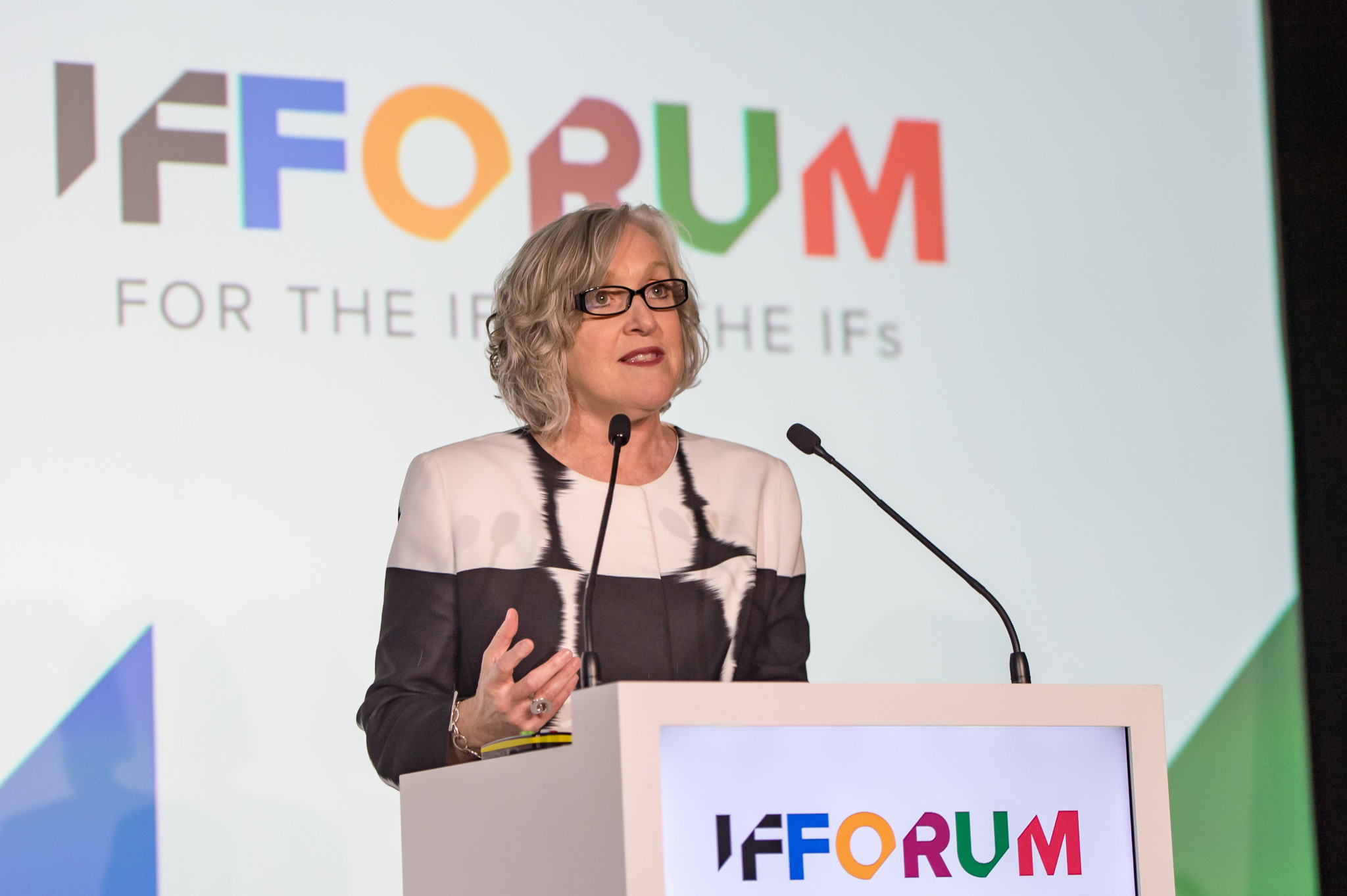 Leanne Coddington, chief executive of Tourism and Events Queensland, briefed the International Federations on year's SportAccord Convention due to be held in the Gold Coast next May ©SportAccord