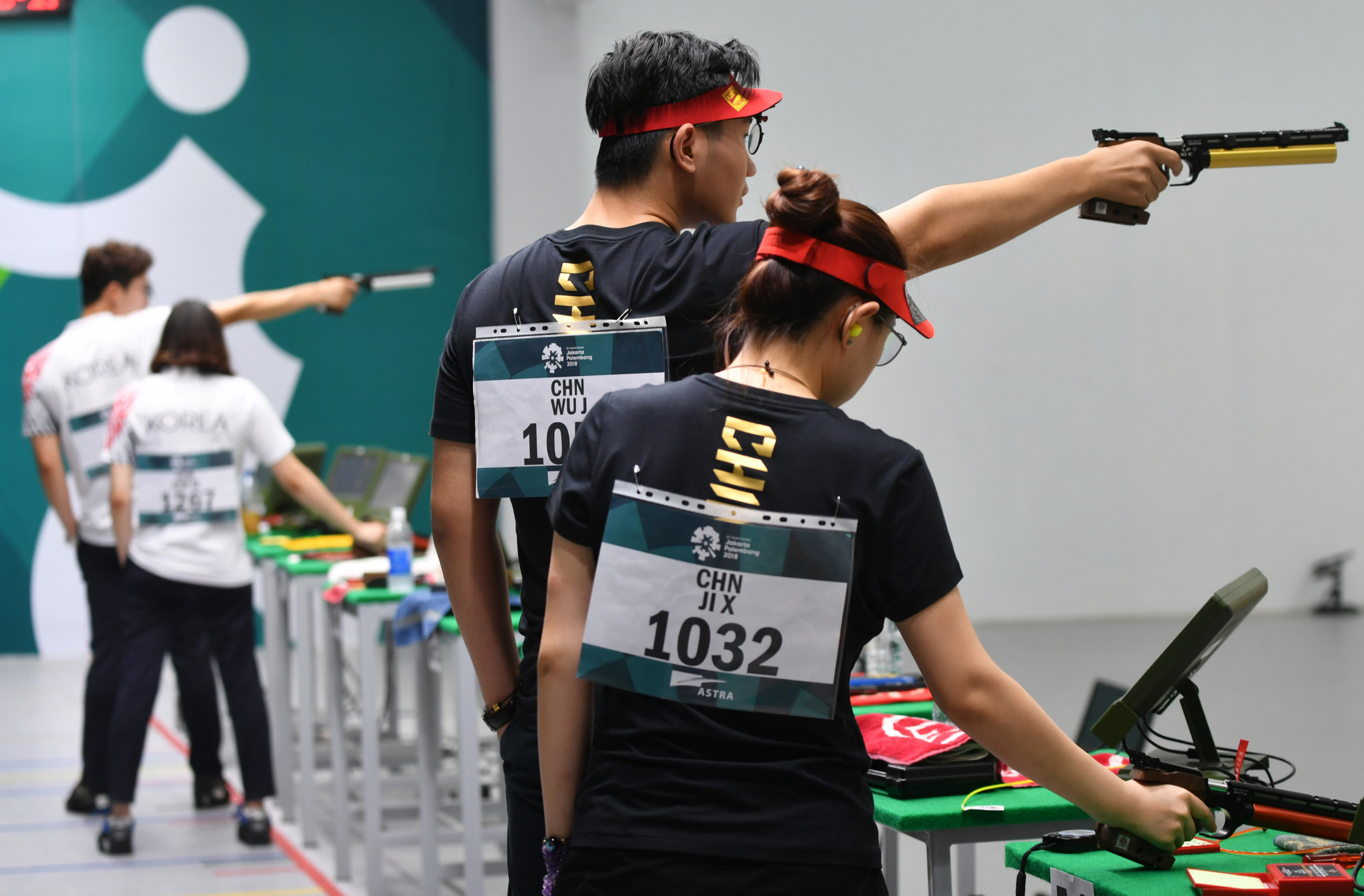 China dominated the 10m air pistol mixed team event, taking home gold and silver ©Getty Images