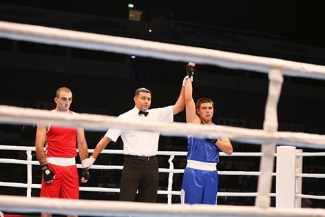 Uzbekistan's Bektemir Melikuziev took less than two minutes to knock-out Georgian veteran Kvachatadze Zaal in the middleweight division ©AIBA/Facebook