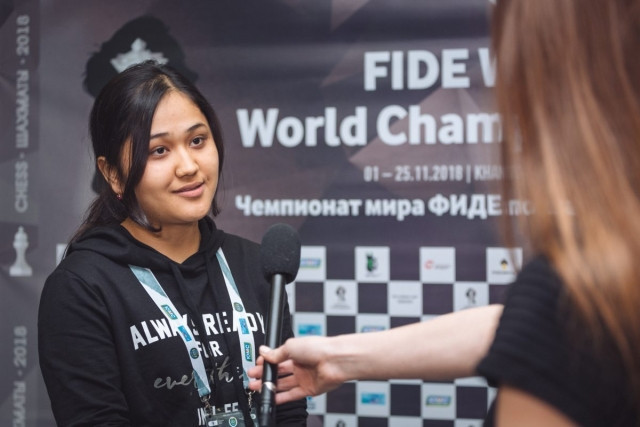 Uzbekistan's 19-year-old Guirukhbegim Tokhirjonova, surprise package of the Women's World Chess Championships, now faces defending champion Ju Wenjun of China in the quarter-finals ©FIDE