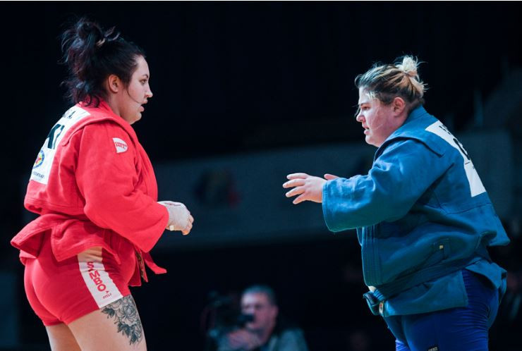 Russia's Anna Balashova, in blue, won women's over-80kg gold ©FIAS