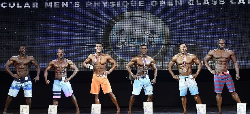 Participants of the final of the muscular men's physique open event ©Jakub Csontos/EastLabs