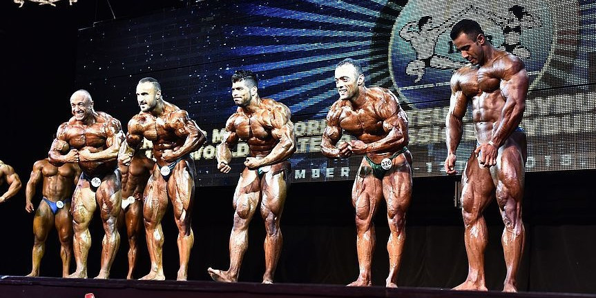 Participants in the overall final of the bodybuilding event ©Jakub Csontos/EastLabs