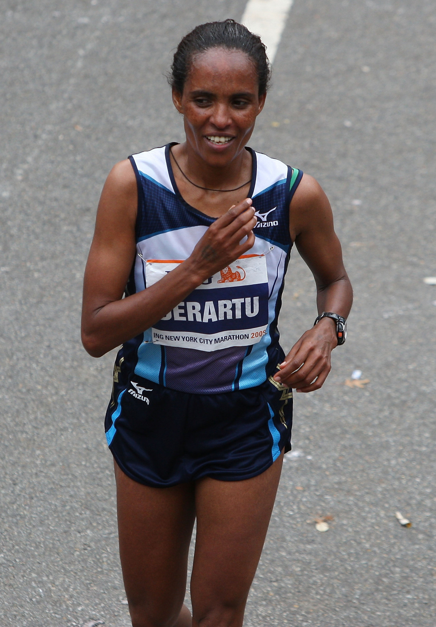 Double Olympic 10,000m champion Derartu Tulu, pictured winning the women's title at the 2009 New York City marathon, will take over the Presidency of the Ethiopian Athletics Federation following Haile Gebrselassie's resignation ©Getty Images