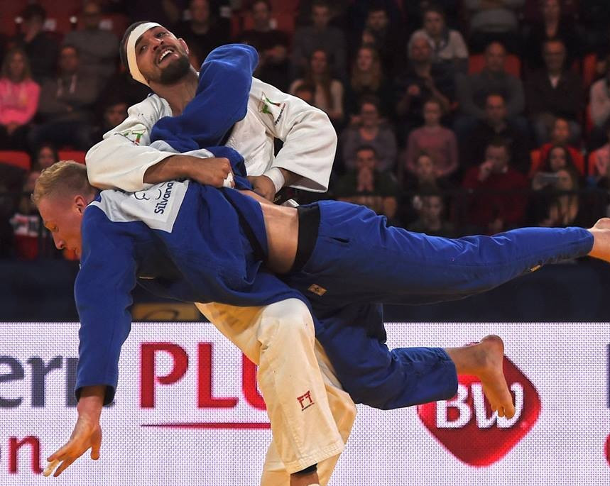 Ivaylo Ivanov claimed a last gasp victory over home favourite Frank de Wit ©IJF