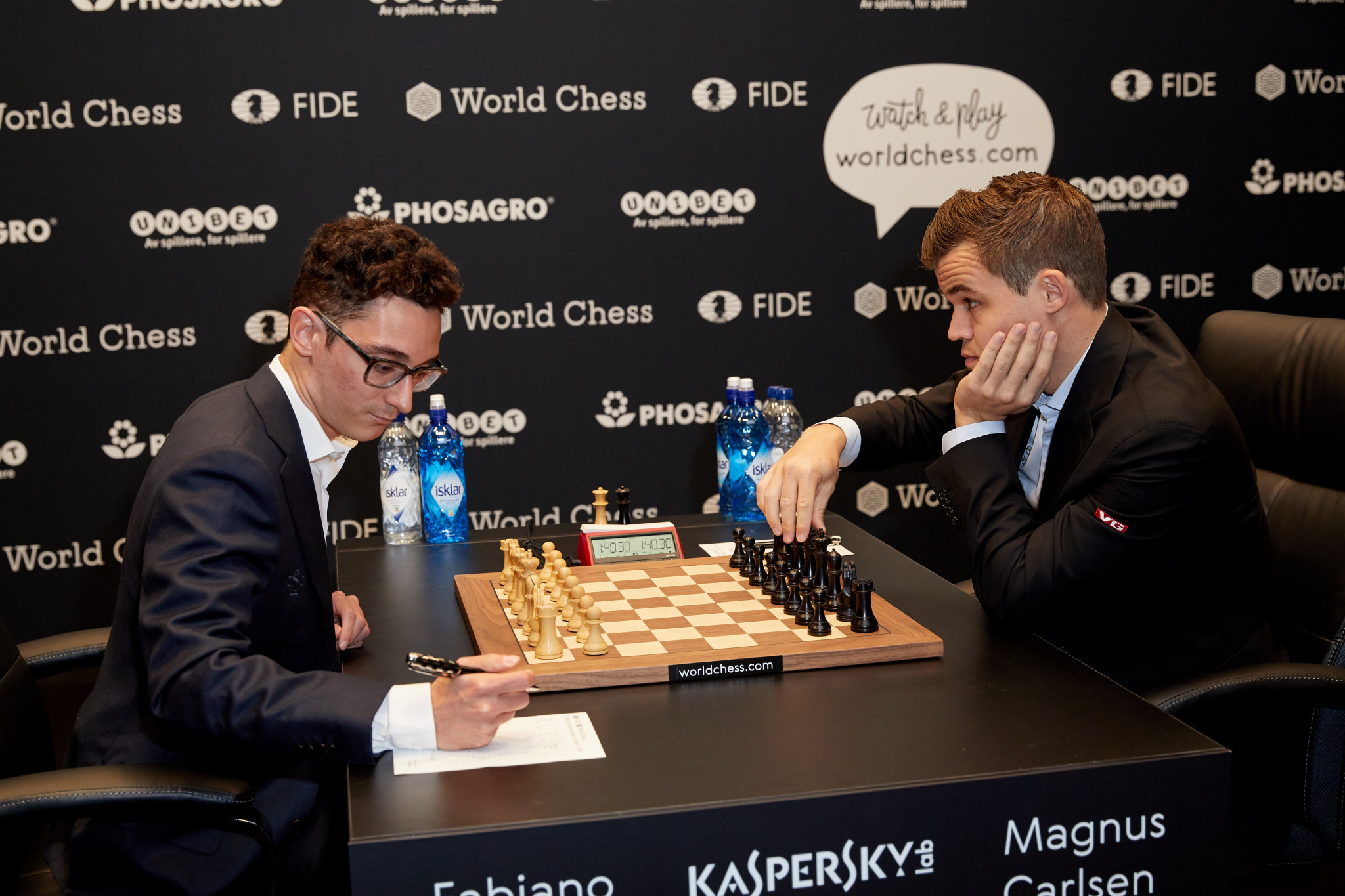 World chess champion Magnus Carlsen, right, and challenger Fabiano Caruana are locked on 3½ points each in their World Chess Championship match in London ©Getty Images