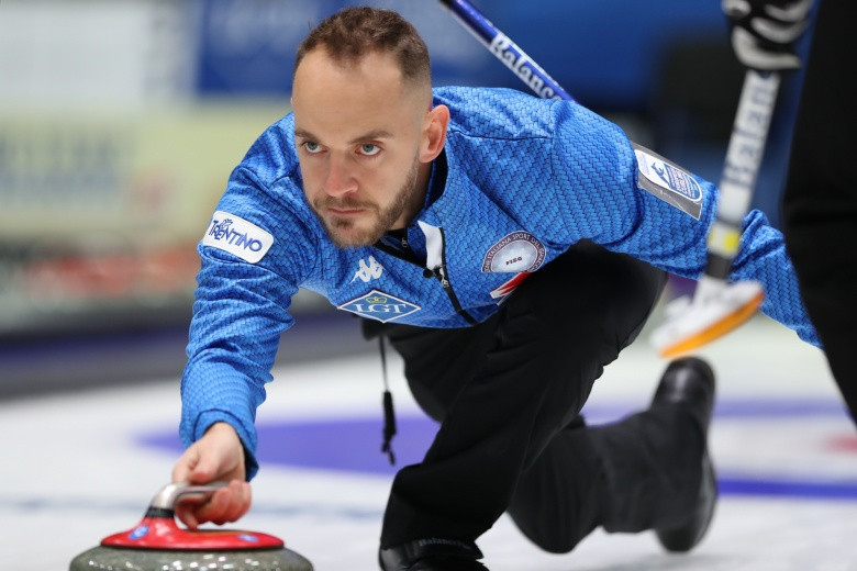 Italy qualify for men's semi-finals at European Curling Championships
