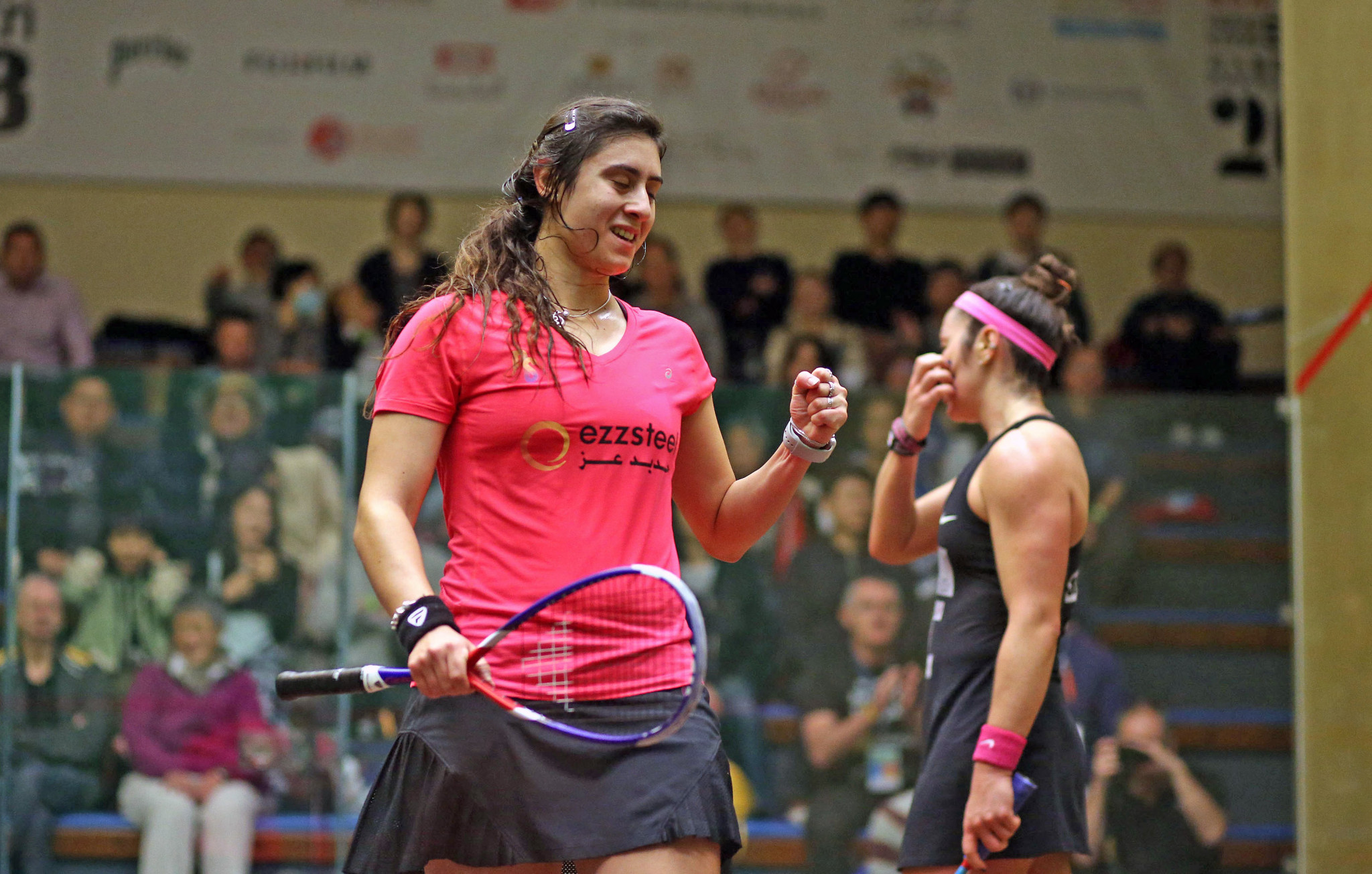 Nour El Sherbini had to battle against Amanda Sobhy to continue the defence of her title ©PSA