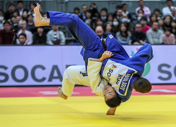 Ryuju Nagayama delighted the home crowd with victory in the men's under-60kg division ©IJF