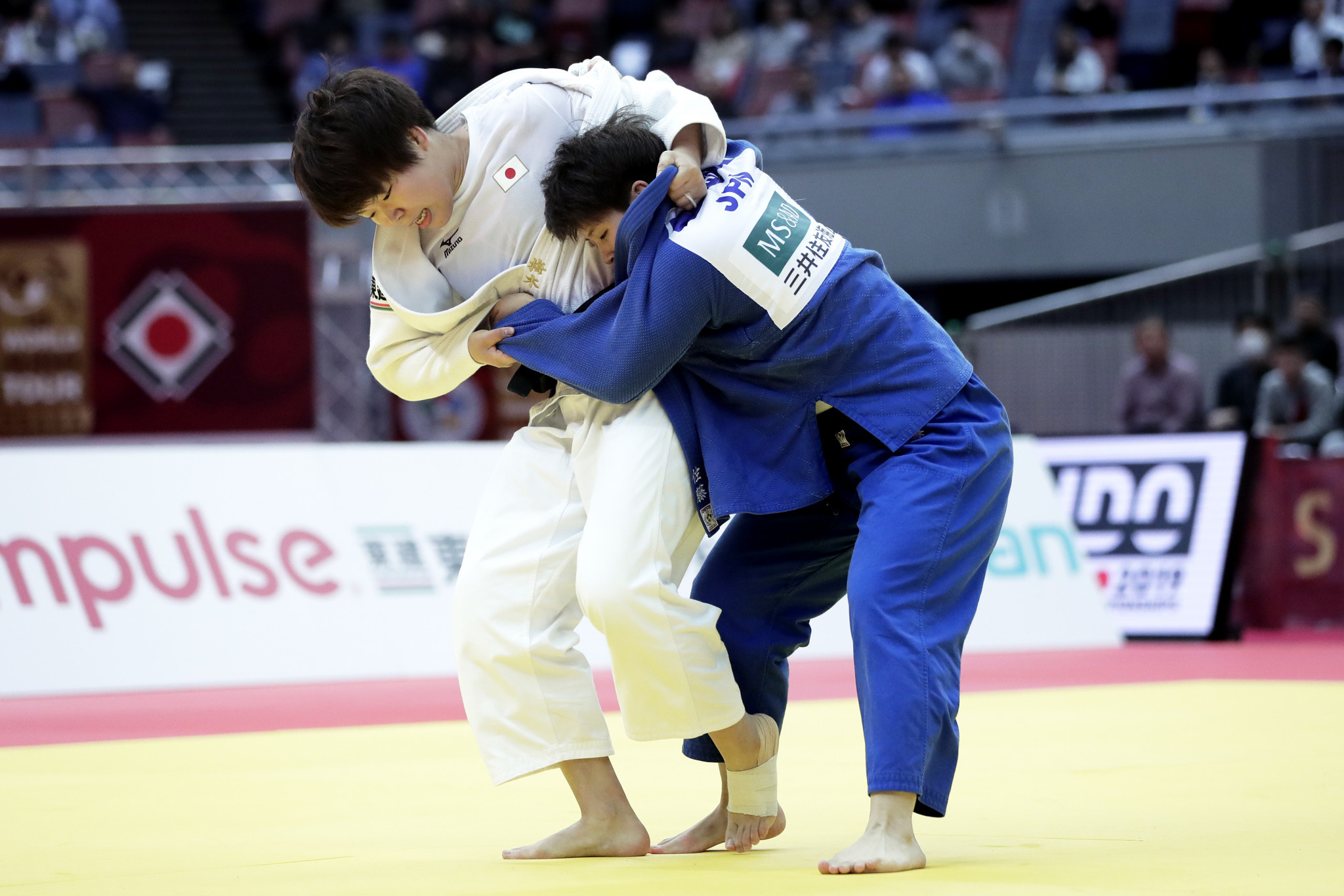 Japanese team-mates Ruika Sato and Mami Umeki battle it out in the women's under-78kg final at the IJF Grand Slam in Osaka ©Getty Images