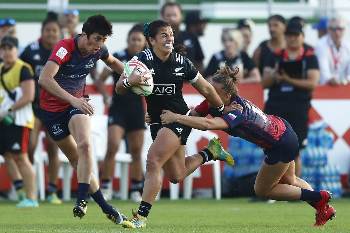 New Zealand beat Russia 29-12 on the opening day of the World Rugby Women's Seven Series as they progressed to the semi-final ©World Rugby Sevens