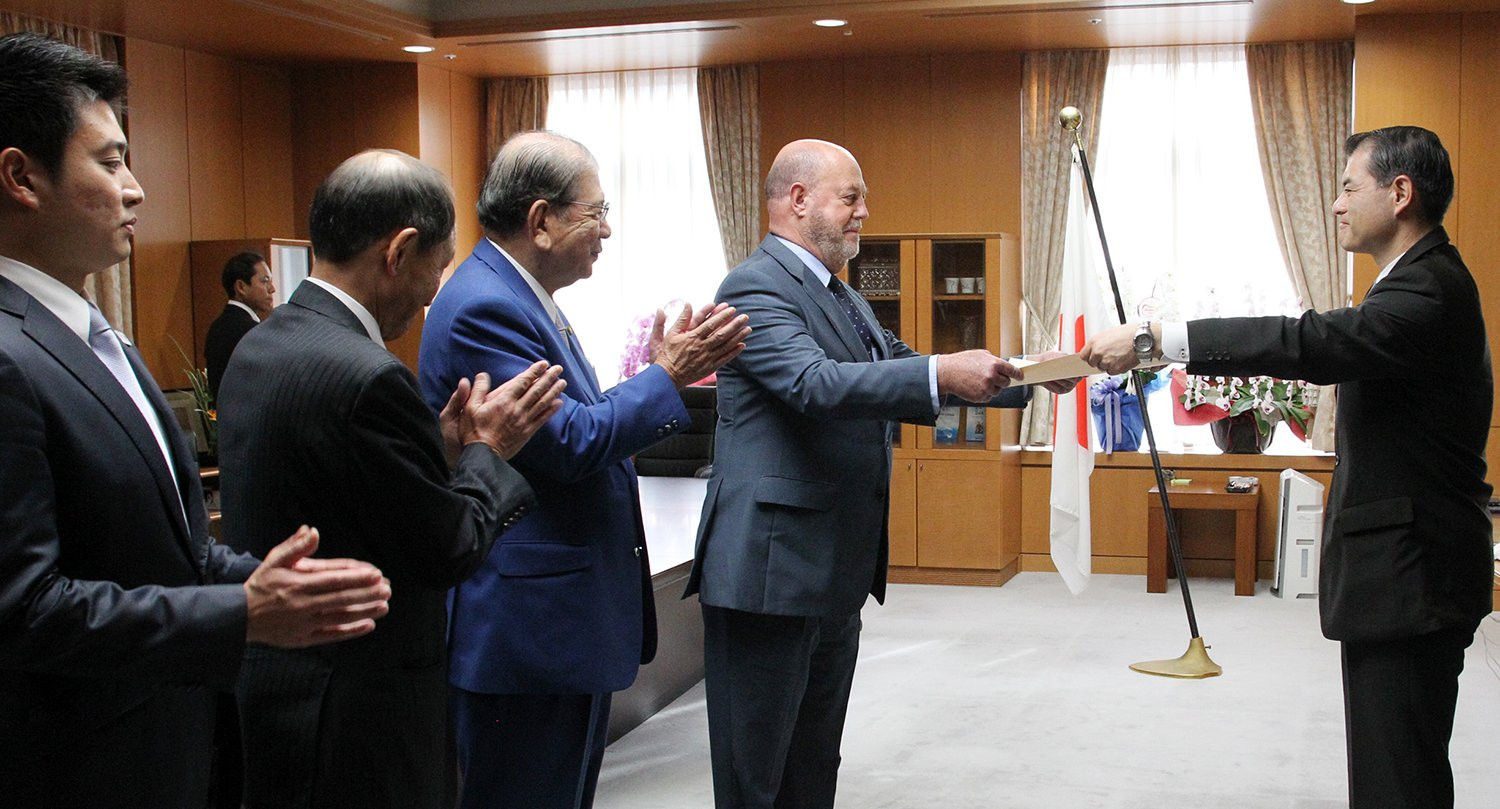 WKF President Antonio Espinós received the honour at the eadquarters of the Ministry of Education, Culture, Sports, Science and Technology ©WKF