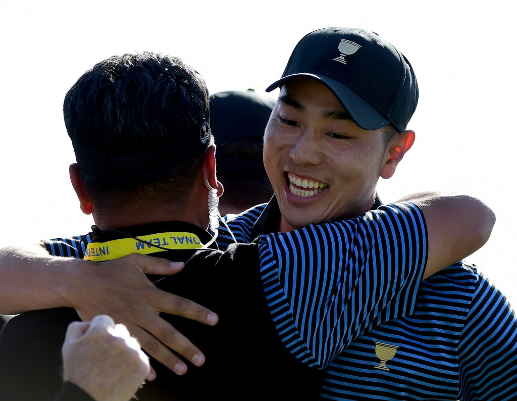 Team International fight their way back into contention at Presidents Cup