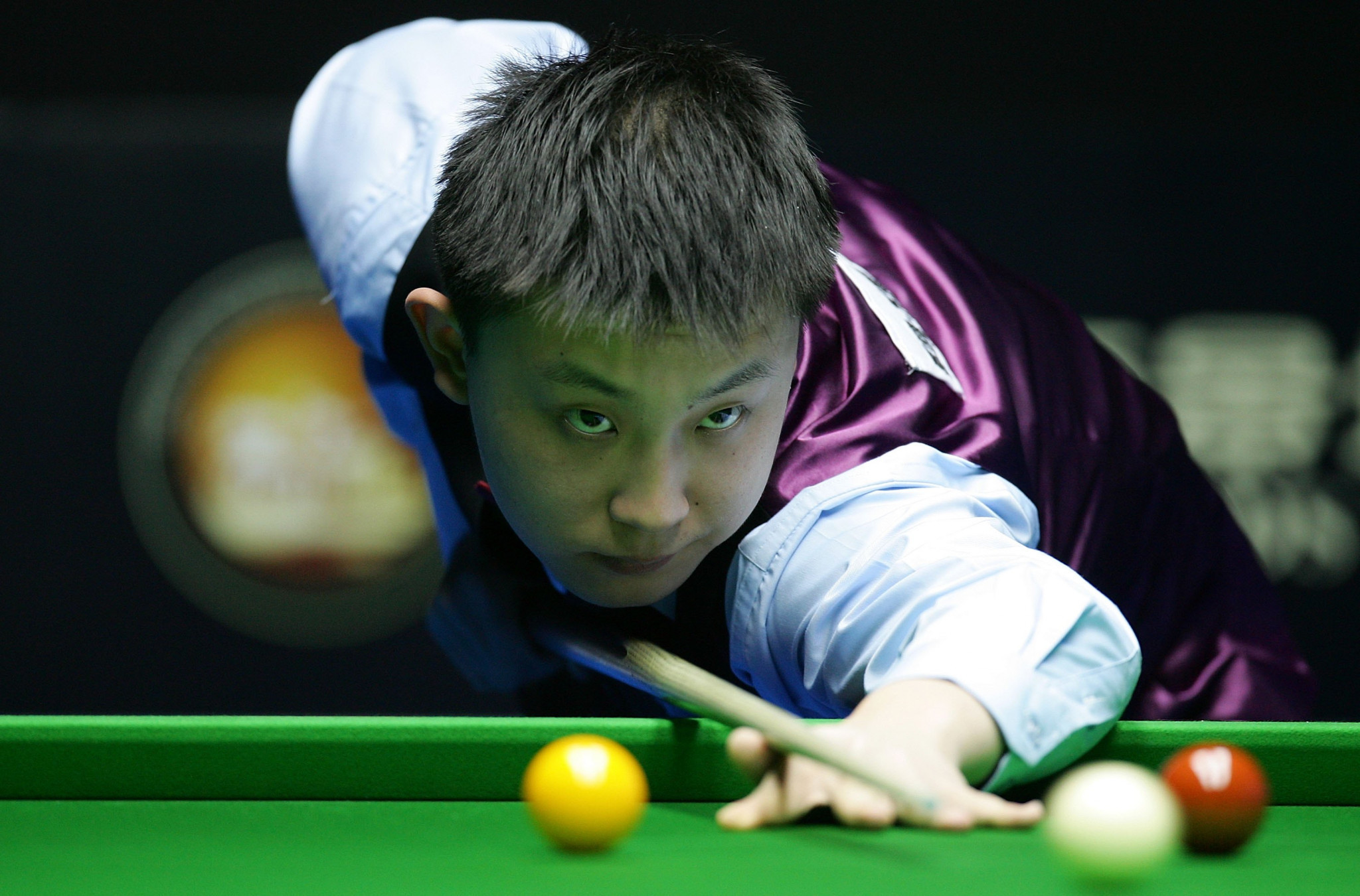 Two Chinese snooker players handed long bans for match-fixing