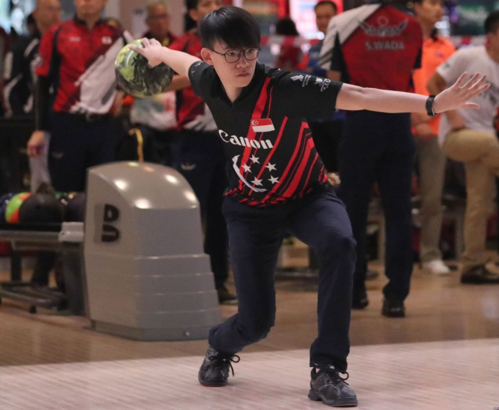 Singapore's Jaris Goh, Basil Ng, Jonovan Neo, Joel Tan, Darren Ong and Keith Saw have qualified for the team of five semi-finals at the Men's World Tenpin Bowling Championships ©World Bowling