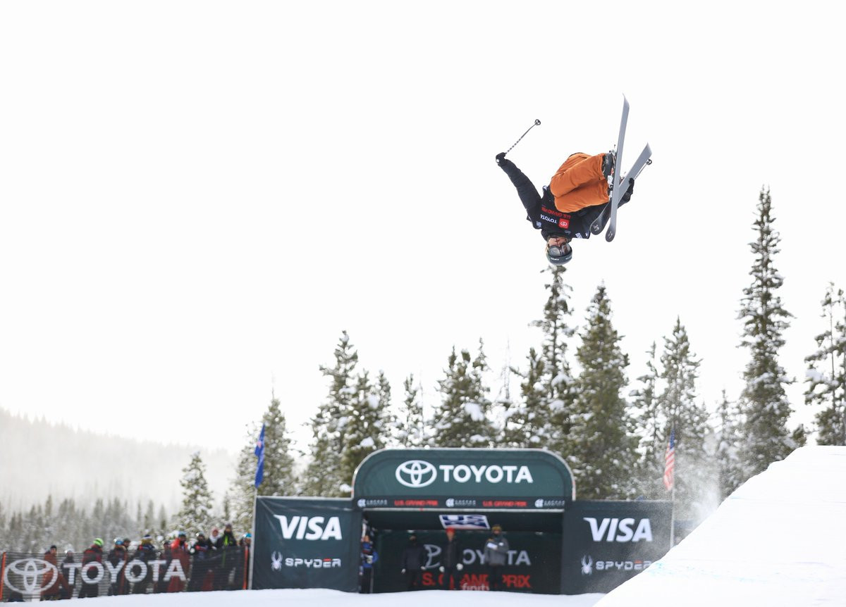 Sharpe and Blunck top halfpipe qualification at FIS Freestyle Skiing World Cup in Colorado