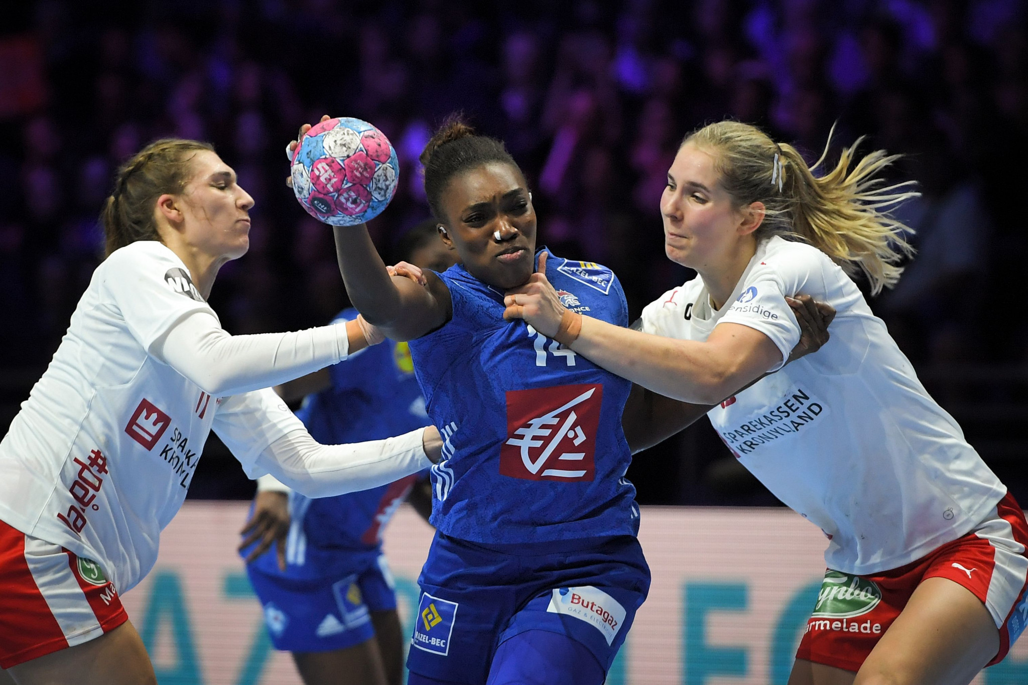 France move top of main round group at European Women's Handball Championships