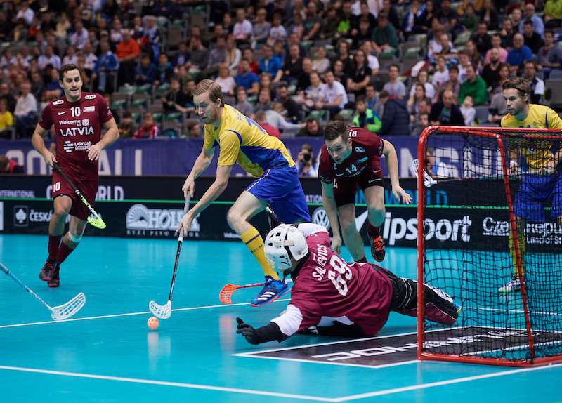 Sweden and Finland secure semi-final places at IFF Men's Floorball World Championships