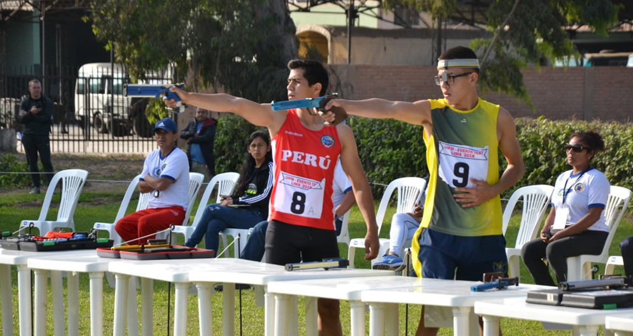 Modern pentathletes competed in swimming, fencing, horse riding and laser run events to try and secure a place at the Lima 2019 Pan American Games ©Lima 2019