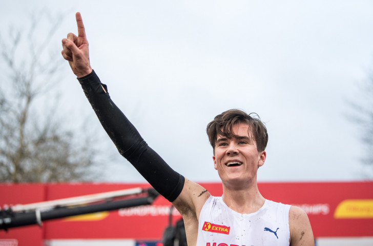 Norway's 18-year-old European 1500m and 5000m champion Jakob Ingebrigtsen celebrates a third successive European Cross Country Under-20 title in Tilburg today ©Getty Images