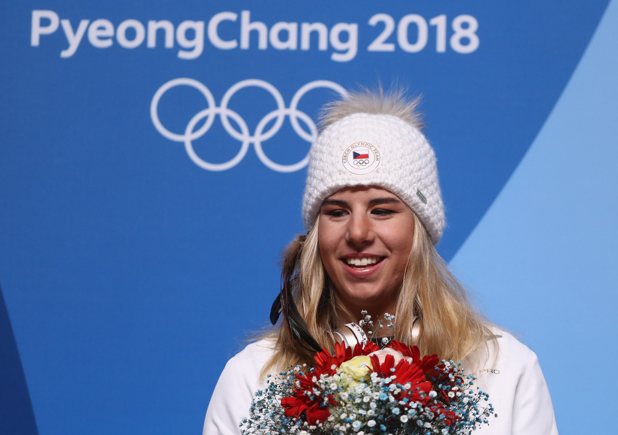 |The Czech Republic's reigning women's World Cup champion Ester Ledecká won both a skiing and snowboard Olympic gold medal at Pyeongchang, becoming the first person to do so ©Getty Images