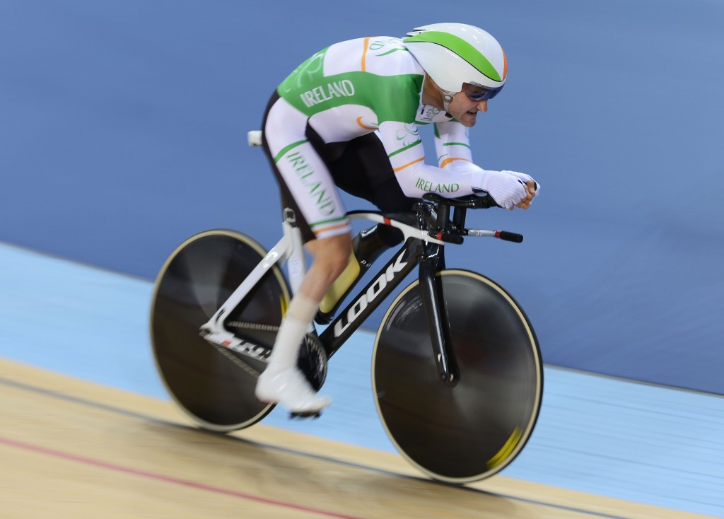Lynch agonisingly fails in Hour Record bid following puncture