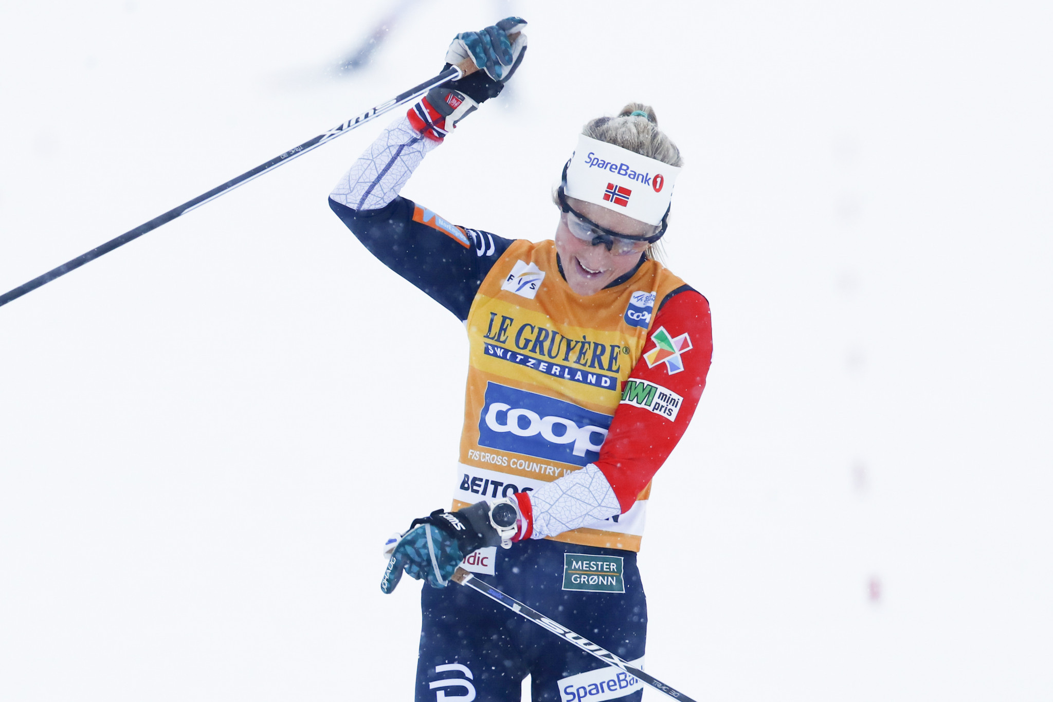 Johaug maintains distance winning streak as Russian cleared by CAS wins men's Cross-Country World Cup event in Davos