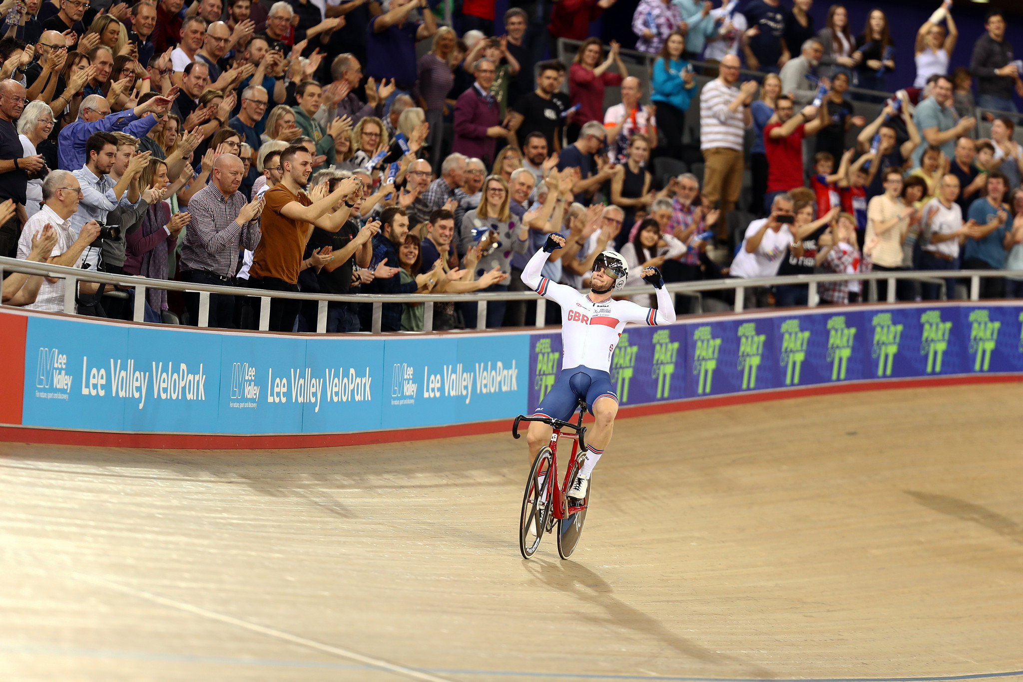 Matthew Walls won the men's omnium as competition drew to a close at the UCI Track World Cup in London ©Getty Images