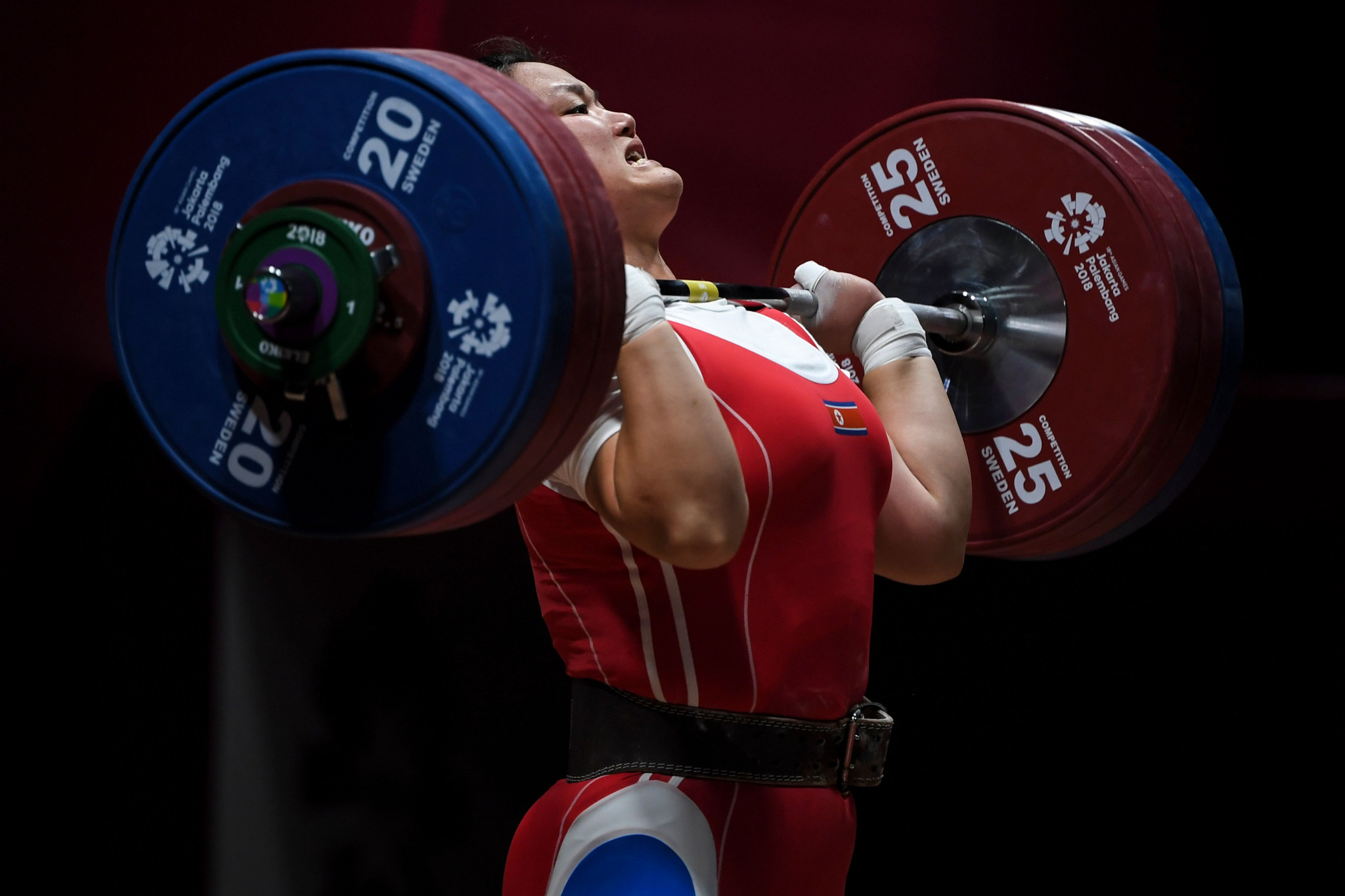 The overall standings are determined upon completion of the clean and jerk ©Getty Images