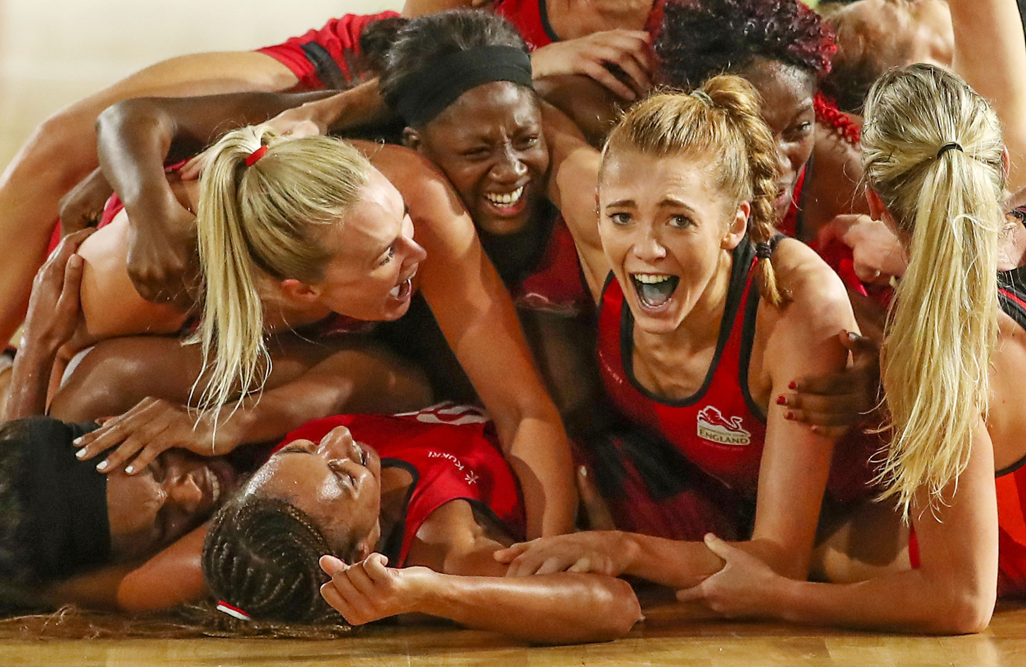 England won a dramatic last-gasp netball gold against hosts Australia  ©Getty Images