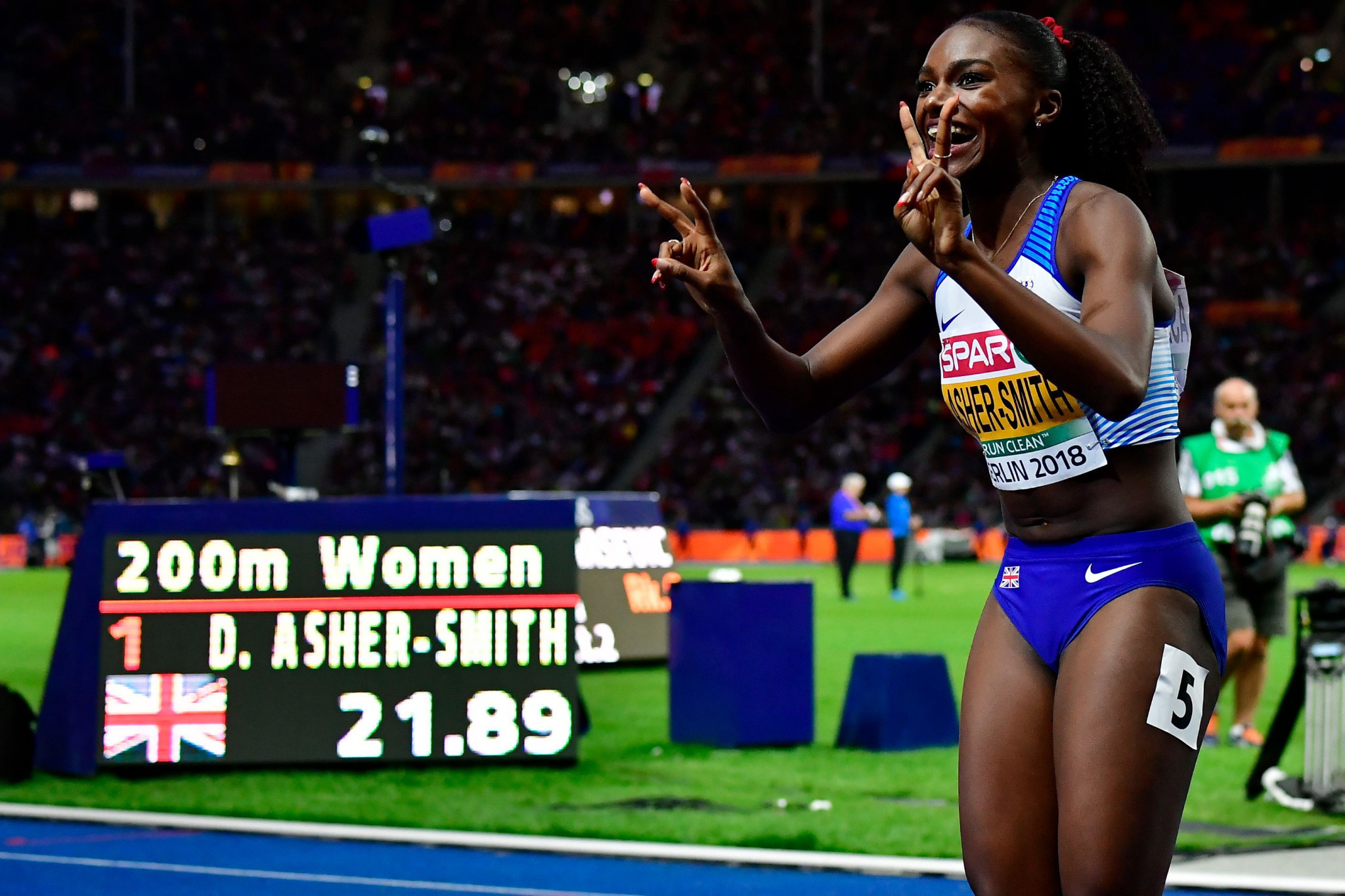 British athlete Dina Asher-Smith won the sprint triple crown in Berlin, taking the 100m, 200m and 4x100m relay ©Getty Images