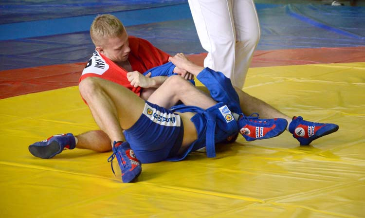 Around 300 athletes took part in the Ukrainian Sambo Championships as the country selected their athletes for the new international year ©FIAS