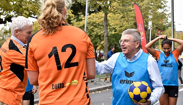 IOC President Thomas Bach participated in a series of sporting activities to mark Olympic Week ©IOC