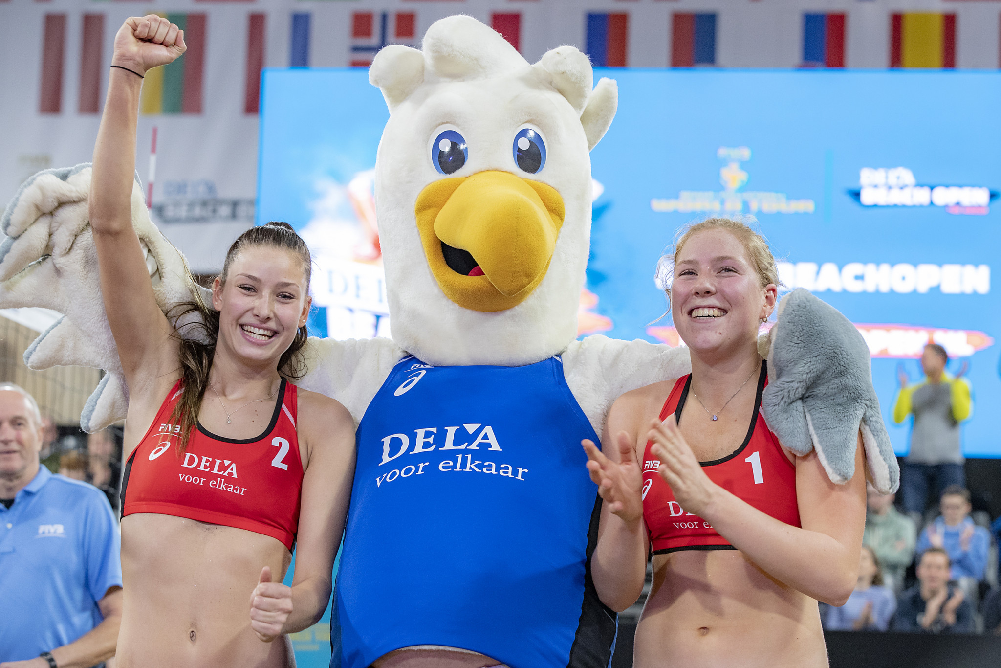 Emma Piersma and Puk Stubbe of The Netherlands delighted the home crowd by winning both of their qualifying matches to progress to the main draw of the FIVB Beach Volleyball World Tour in The Hague ©FIVB
