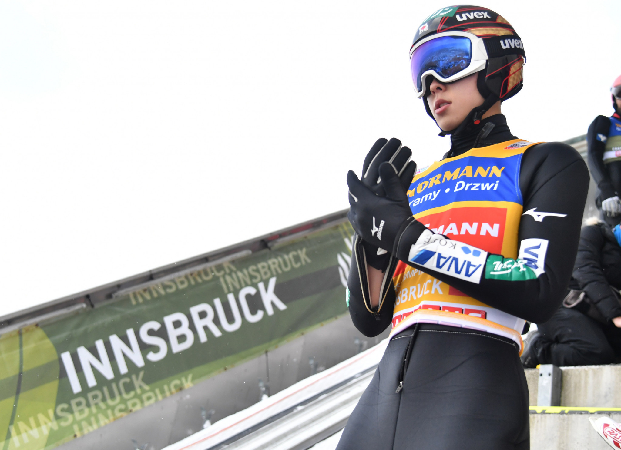 Kobayashi's imperious form continues with Four Hills qualifying victory in Innsbruck